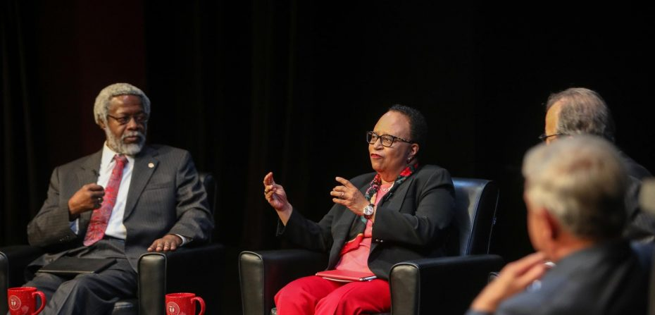 Photo of Coffee break with Shirley Ann Jackson